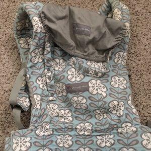 Ergo carrier, Petunia Picklebottom pattern